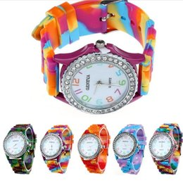Wholesale womens jelly silicone watches wholesale - Wholesale popular Geneva silicone rubber jelly candy watches unisex mens womens ladies colorful camouflage quartz watches