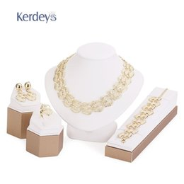 Wholesale Dress Jewelry Tree - Fashion Jewelry Sets For Women Tree leaf Earrings Necklace Gold Plated Classic Pendant Wedding Dress Accessories