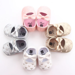 Wholesale Princess Baby Beds - Fashion Heart bow shoes first step neonatal soft soles baby bed shoes baby girl princess shoes