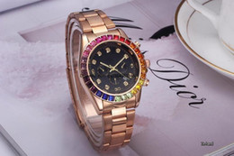 Wholesale Men Luxury Automatic Watch Women - Luxury fashion of men and women watch full automatic diamond leisure sports the date of the quartz watch The color is complete