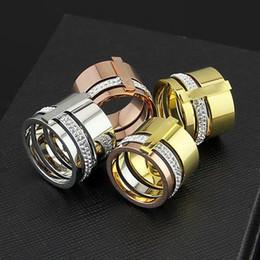 Низкая цена оптовая внешней торговли кольцо с широкой поверхностью грязи бриллиантовое кольцо, 18K мужчин и женщин кольцо от