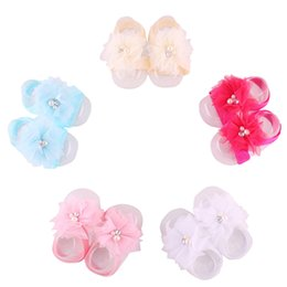 Wholesale Pearl Socks - 2017 Hooyi Flower Pearl Baby Girls Foot Accessories Newborn Shoe Wristband Elastic Hair Socks Chiffon Sandal Boy Slipper F4
