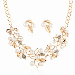 Wholesale High End Earring Chain - Source of foreign trade big European and American high-end jewelry set pearl Leaf Necklace Earrings Set sweater chain