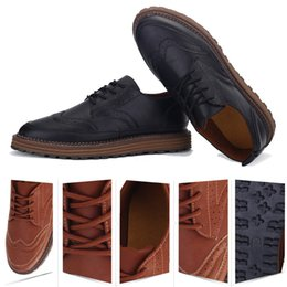 Wholesale England Shoes For Men - Bullock Leather Shoes For Mens Fashion Carved Leather Shoes Men England Style Fashion Casual Lace-Up Business Casual leather shoes 39-44