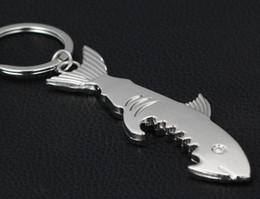 Chaveiro único do abridor de garrafas on-line-Shark em forma de abridor de garrafa chaveiro em forma de liga de zinco chaveiro de cor de prata abridor de garrafa de cerveja presente criativo original