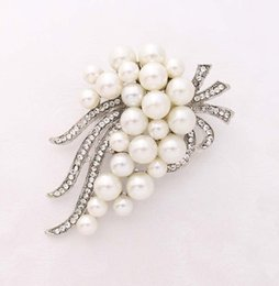 Wholesale Cake Decorations China - Rhinestone Bridal Pearl Brooch   Wedding Broach For Cake Decorations Hair Comb   DIY Jewelry Crafts Wedding Pearl Broaches