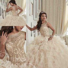 Argentina Precioso champán Crystal Vestidos de quinceañera Scoop Neck Hollow Back Coeset Vestido de fiesta Faldas escalonadas Longitud del piso Sweet 16 Suministro