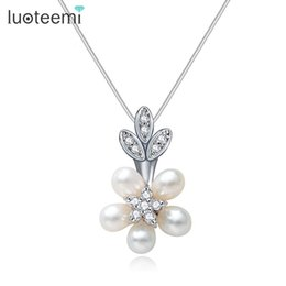 Wholesale Girls Pearl Flower Top - LUOTEEMI New Arrival Statement Freshwater Natural Pearls Flower Pendant Necklace Top Quality Jewelry for Women Girls Love Gift