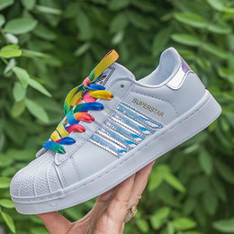 Wholesale Female Toe - Hot Sale holographic shoes Fashion Men Casual Shoes Superstar Female Sneakers Women Zapatillas Deportivas Mujer Lovers Sapatos Femininos