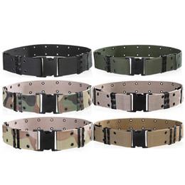Cinturones tácticos anchos de los hombres de la hebilla del parte movible de plástico Militar de nylon al aire libre que va de excursión Cinturones del diseñador del camuflaje de la montaña Cinturones tácticos del ejército para los hombres desde fabricantes