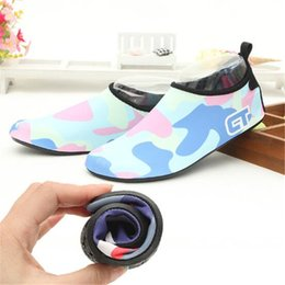 50 Pares Hombres Mujeres Nakefit Transpirable Natación Correr Buceo Al Aire Libre Zapatos Antideslizantes Playa Flexible de Goma Ocio Deporte Zapatos Suaves desde fabricantes