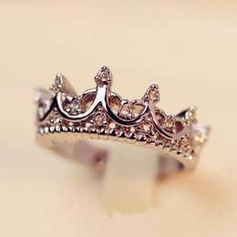 2019 reina de plata envío gratis La reina de plata corona los anillos para las mujeres de la marca punk joyas de cristal anillos de amor mujer Bijoux boda anillos de compromiso envío gratis reina de plata envío gratis baratos