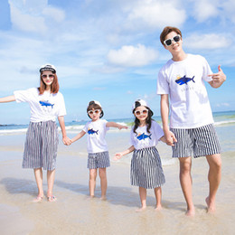 Wholesale shirts match skirts - Family shark printing summer Casual outfits 2pc set hat shark print white T shirt+striped skirt pants family matching look beach clothes