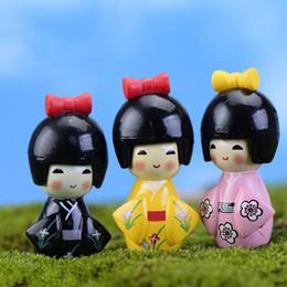 Wholesale Wholesale Kawaii Cabochons - 1Pcs Mini Kawaii Japanese Girl Wearing Kimono Resin Cabochons Miniatures DIY Craft Micro Fairy Garden Decor Terrarium Figurines