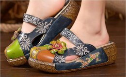 Sandalo fiore coperchio punta online-2019 scarpe da donna estive sandali piatte con plateau in vera pelle fatti a mano con copertina a fiore dita comode diapositive da donna