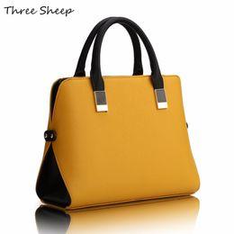 Bolso de diseñador negro amarillo online-Venta al por mayor- Bolsos de mano para mujer de color amarillo Diseñadores PU Famosos bolsos de diseñador Bolso de cuero azul negro de lujo Mujeres elegante Sac a Main