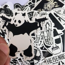 Bicicletta graffiti online-100 pezzi Adesivo per auto Nero Bianco Skateboard Graffiti Decal Laptop Bicicletta Motorcyle Auto Stying Doodle Adesivi fai da te