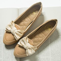 Wholesale Khaki Girl Bottoms - 2017 New Arrival Boat Shoes Women Casual Bow Flat Heel Shoe Tassel Soft Flat-bottom Round Toe Loafer Shoes Girl Doug Shoes Mujer Zapatos