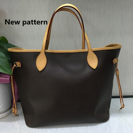 Wholesale Large Leather Clutch Bags - 2017 Famous classical designer high quality women handbag with Serial Number large capacity brand shoulder tote bags day clutch purse M40996