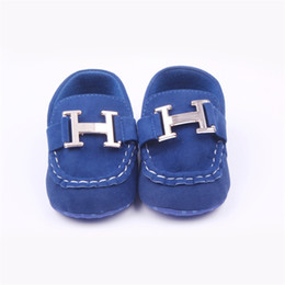 Wholesale First Sewing - Wholesale- Fashion Spring Autumn Baby Boy Casual Baby Girl Leather Shoe Flat Heel Flock Metal Sewing Solid Color Toddler Shoes First Walker