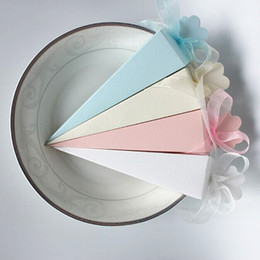 Wholesale Triangular Boxes - Ice Cream Style Wedding Candy Boxes Triangular Folded Paper Wedding Favor Boxes Wedding Gift Boxes With Ribbon T-Blue Yellow Pink White