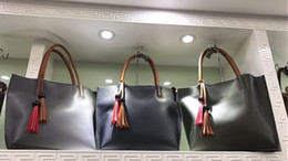 Wholesale Ostrich Feathers Mixed Colors - 2017 summers handbags Big Plus Size leather shoulder bags mix colors black,navy,grey colors with dust bags fashion degsign