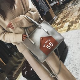 Wholesale Women Mix Handbags - 2017 Woman Fashion Handbag Woman Satchel High End High Quality Good Mix of Woman Bag Female Fashion Makeup Bag Young Student Handbag