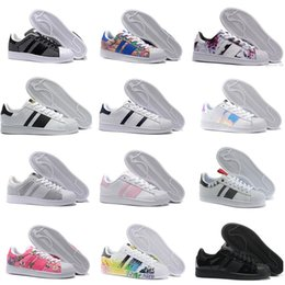 Wholesale Nude Color Shoes Flats - 2017 New Cheap Superstar 80S Men Women Casual Basketball Shoes Skate Shoes 17 Color Rainbow Splash-ink Fashion Sports Shoes size 36-44