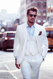 Мужские белые брюки онлайн-Wholesale- White Grooms Tuxedos Beach Wedding Suits For Men Slim Fit Men Linen Suits Three Piece Groomsmen Suit (Jacket+Pants+Vest+Tie)