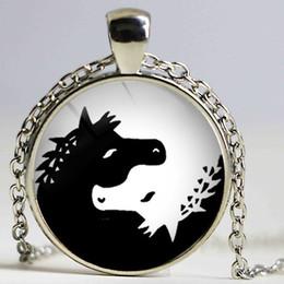 Wholesale Vintage Horse Photo - Wholesale Glass Photo Cabochon Necklace Horse Necklace Silver Bronze Vintage Art Pendant Glass Dome Jewelry 2015