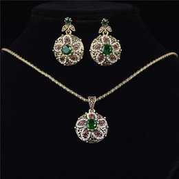 Wholesale Emerald Green Glass Plates - Fashion Alloy Plated Emerald Glass Gem Filled Jewelry Sets For Women Vintage Retro Luxury Necklace Earrings Rings
