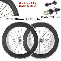 2019 bicicleta de ciclocross de carbono 700C 88 mm Ruedas de bicicleta de carbono 3K Brillante / mate Clincher Carretera Ruedas Juego de ruedas de aleación de aluminio Superficie de freno con Novatec 271 Hubs