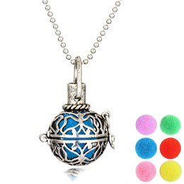 Wholesale Wholesale Imitation Perfumes - Vintage Locket Necklace Open Aromatherapy Locket Essential Oil Diffuser Perfume Aromatherapy Hollow Lockets Pendant Necklace for Women