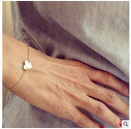 Wholesale Hand Accessories For Girls - Wholesale- l251 1 pcs Newest Cute Fashion accessories gold-plated Heart hand jewelry chain bracelet for girl women