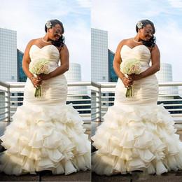 Wholesale Dubai Crystal Wedding Dress - 2017 Plus Size Dubai Arabic Simple Wedding Dresses Mermaid Ruched Draped Robe De Marriage Sweetheart Long Floor Length Bridakl Gowns
