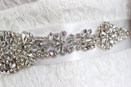 2019 Cinturón de vestir nupcial que es hecho a mano de lujo Rhinestone Negro blanco Marfil ROJO Rosa Champán y muchos otros colores 35cm * 270cm desde fabricantes