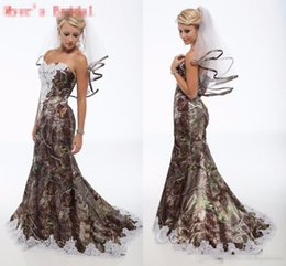 Discount backless wedding dress veils - 2017 Vintage Camo Wedding Dresses Free Veils Sweetheart Lace Mermaid Camo Bridal Gowns Camouflage Robe De Mariage Sexy Mermaid Wedding Gown