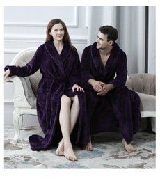 Wholesale Sexy Robe Men - Comfortable flannel flannel robe, men and lovers, autumn and winter thickening bath robes, outer wear Beibei dress home clothes