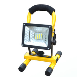 Портативные флуоресцентные лампы онлайн-Wholesale- Flood Lights Rechargeable led floodlight portable light lamp Bright Light Dim Light Red and Blue Strobe IP67 Outdoor spotlight