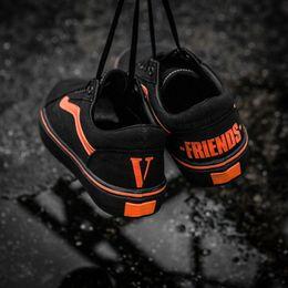 Wholesale Old Pvc Women - Men Women Classic Vlone Friends Black Orange Skate Sneaker Unisex Lovers Old Skool Casual Trainer Shoes 4.5-10.5