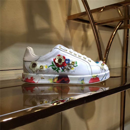 Wholesale Embellished Flowers - White Fashion Sneakers Embellished Flower Women Leisure Shoes Flat heel Genuine leather Ladies Casual Shoes Lace up Sports Trainners Shoe