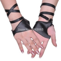 Wholesale Pole Fashion - Wholesale- Bar Nightclub Half Palm Strap Style Gloves Pole Dancing Singing Performance Jazz Black