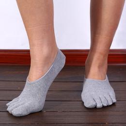 Wholesale Yoga Toe Socks Black - Solid Color Fashion Cotton Men's Five Finger Socks Breathable Anti-skid Boat Toe Socks Invisible Nonslip Ankle Socks