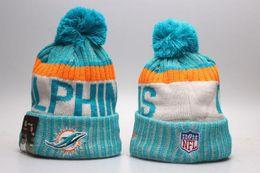 Wholesale Team Knit Beanies - Wholesale winter Beanie 2017 Knitted Hats All 32 Teams l football beanies sports team Women Men popular fashion winter hat