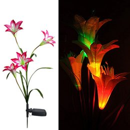 солнечные цветы оптом Скидка Wholesale-Pink Solar LED Lily Flower Light Color Changing Energy Saving Lamps Outdoor Garden Path Yard Decoration 3 LED Flower Party Lamp