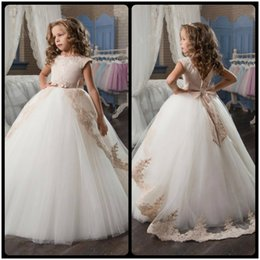 Wholesale First Cream - Stunning Sleeveless Holy Communion Dresses Cream Kids Floor Length Ruffles Lace Satin Tulle Ball Gowns Girls Birthday Dress