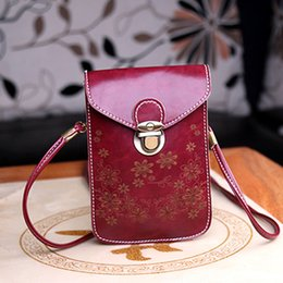 Wholesale Satchel Designer Purse Shoulder Leather - New designer leather women shoulder bag retro lock carved fashion bags for women mobile phone wallet purses designer handbags high quality