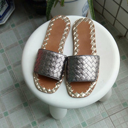 Wholesale European Shoes Women - 2017, the new European luxury style shoes, sandals slippers pure color metal coating, leather woven soft uppers, flat rubber outsole