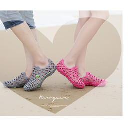 Wholesale Hollow Out Sandals - New Men & Women's Breathable Slippers Hollow out Beach Sandals Garden Hole Shoes