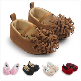 Wholesale Lovely Fashion Wholesale Shoes - Baby Girls pointed shoes Infants soft Moccasins Baby pu flower First Walkers lovely fashion soft sole shoes